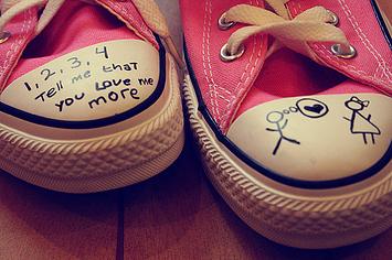 zapatos-converce-frase-amor